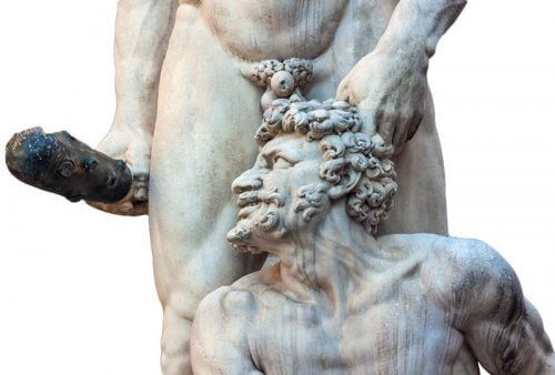 пенис-статуя