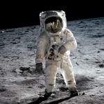 Америка снова хочет посылать астронавтов на Луну