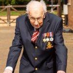 Как 99-летний ветеран собрал деньги на борьбу с коронавирусом