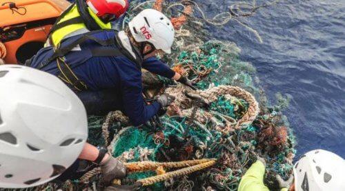океан пластик мусор