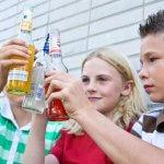 Алкогольные компании заработали миллиарды на несовершеннолетних